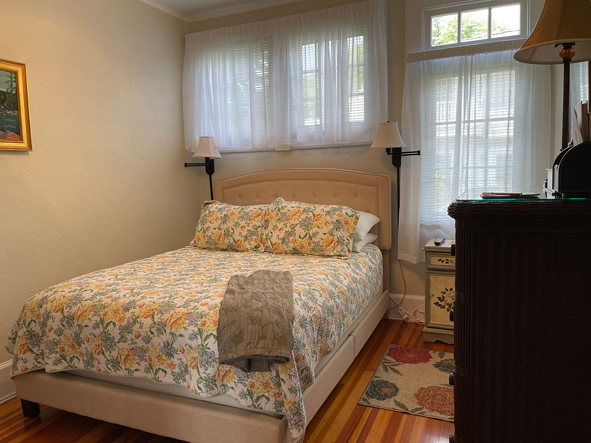 Allayla Room queen bed