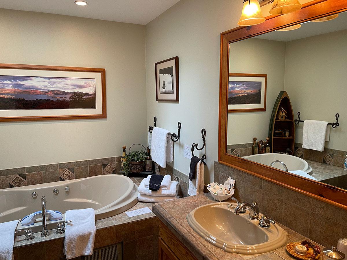 Mason's Adirondack Suite private bath