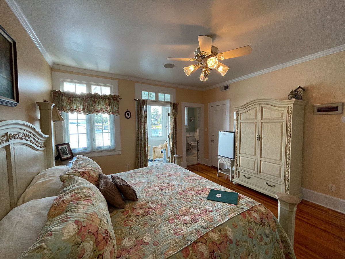 The Oliver Suite with views of Lake George